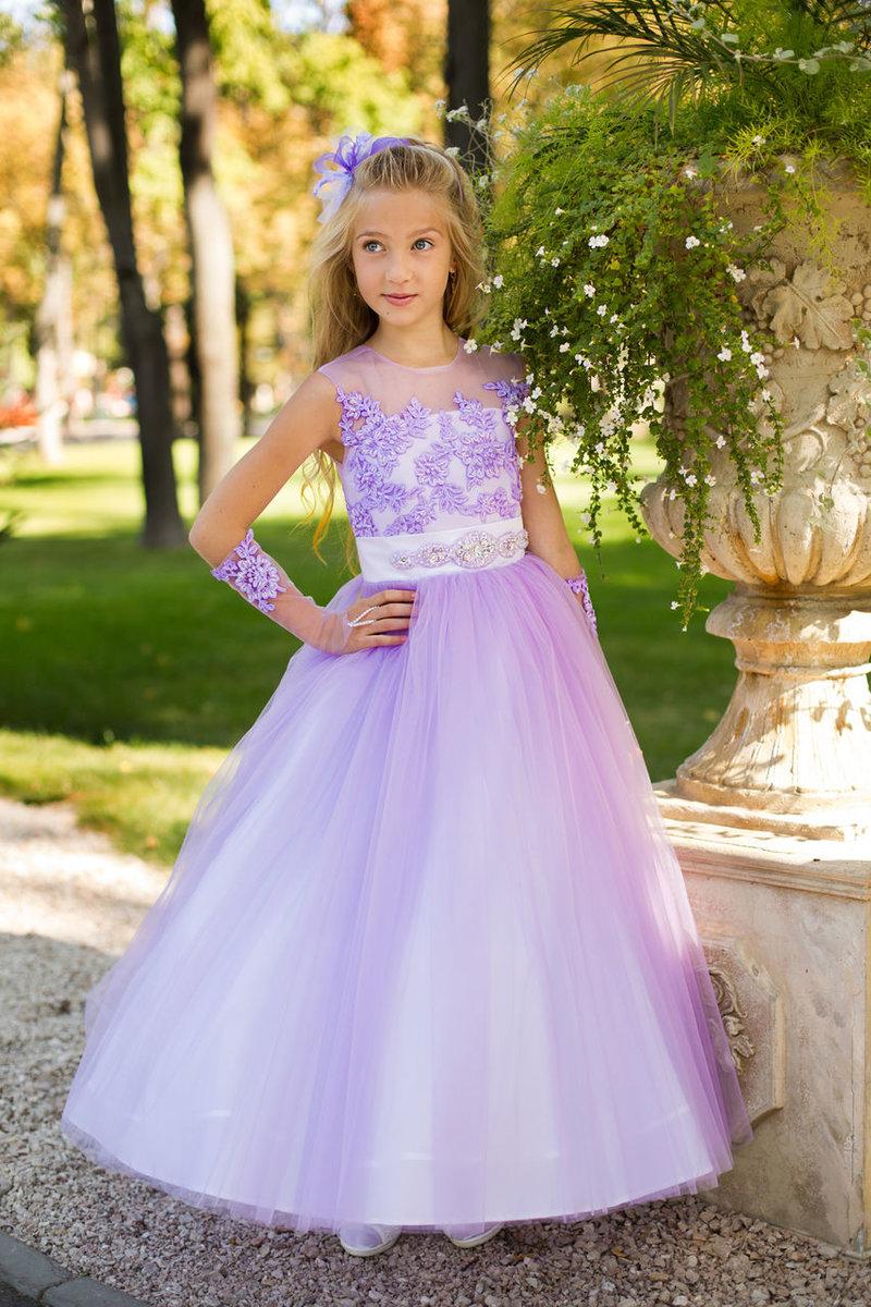 Нежное платье для бала для девочки