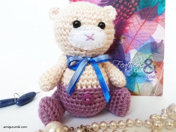 Всем привет! В продолжении мишко темы публикую еще один мой авторский МК по вязанию медведя крючком. На этот раз это амигуруми Мишка-Малышка в штанишках. Маленький медвежонок ростиком 11 см связан с пряжи ArtJeans крючком № 1,5.....Материа...