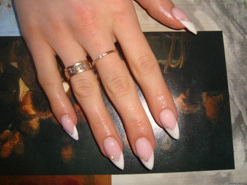 Френч на длинные ногти острые