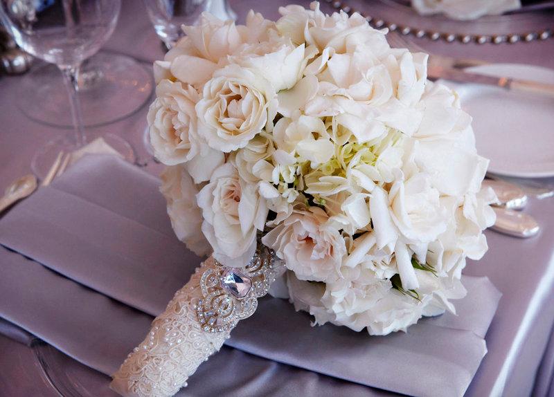 Свадебный нарядный букет