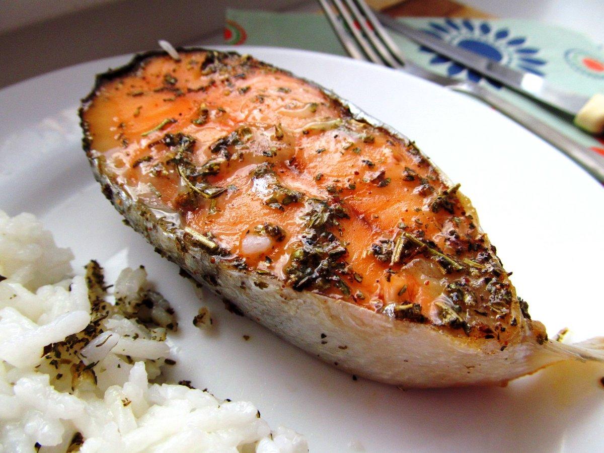 Прекрасный способ приготовления рыбы в омлете.
