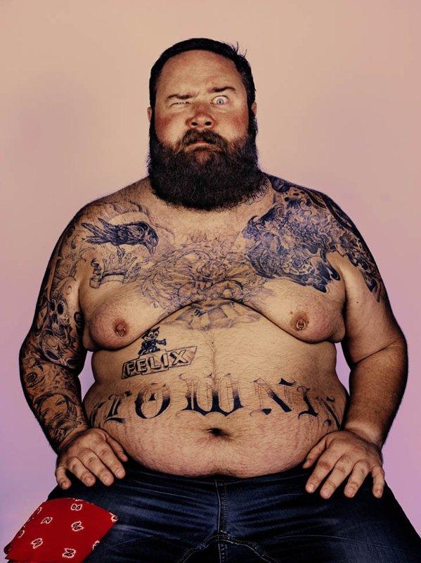 для что означает татуировка толстый мужчина болтается, облегает, как