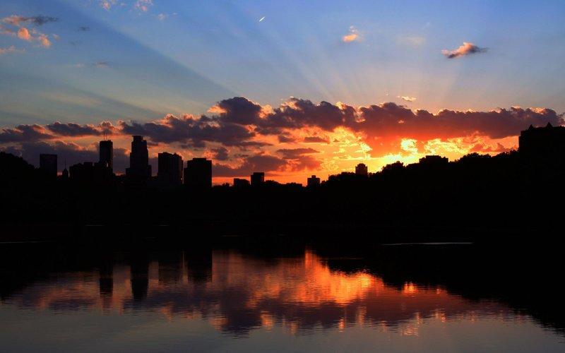 красивый закат над городом клас