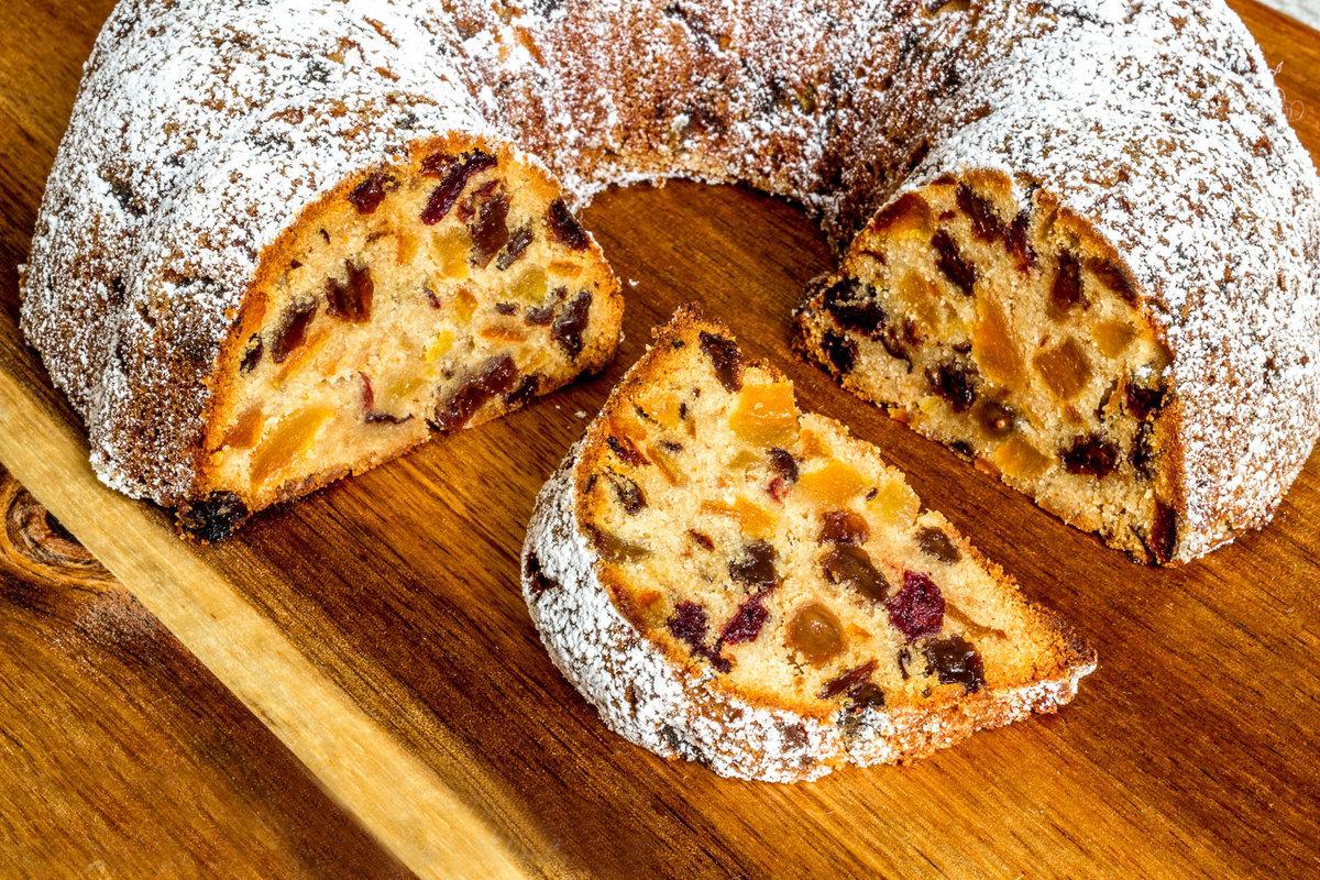 Помимо этого пирог претендует на лакомство для тех, кто на диете, так как в составе нет маргарина или масла.