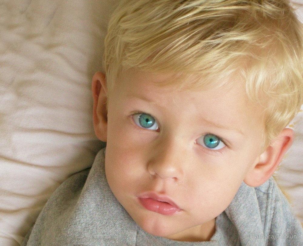 Картинки мальчика с голубыми глазами
