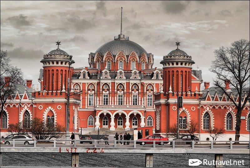 Картинки петровский путевой дворец