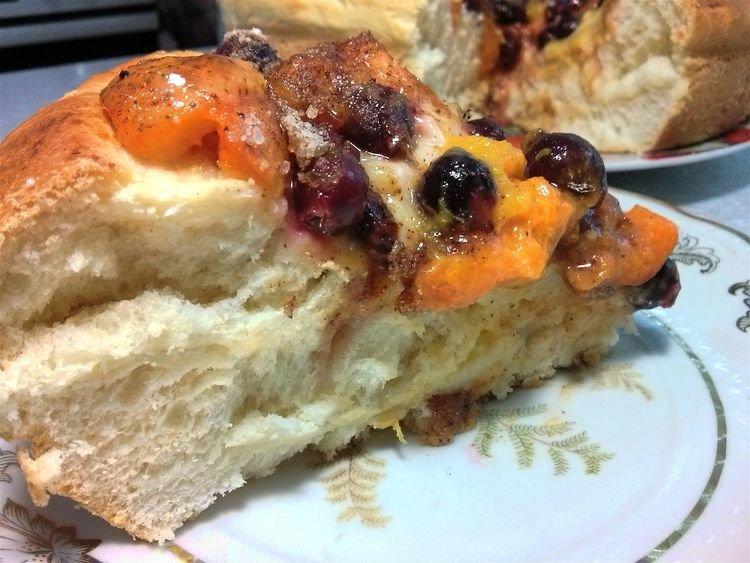 Сладкий пирог с ягодами в духовке