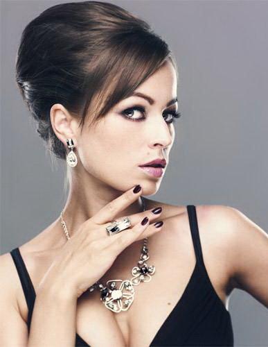 Безупречный макияж для женщины, один из важных этапов на пути к успеху. Пример вечернего макияжа