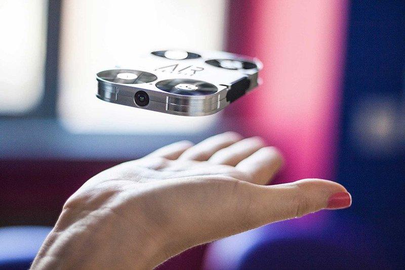 Airselfie - компактный селфи-дрон