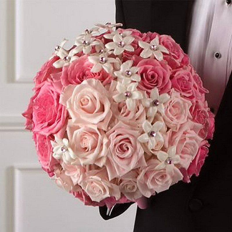 красивый свадебный букет в розовых тонах
