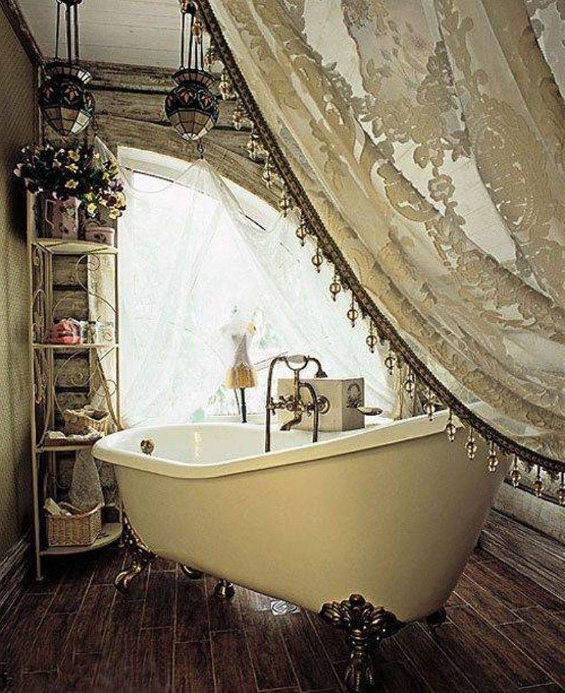 В золотых тонах стиль шебби шик в ванной