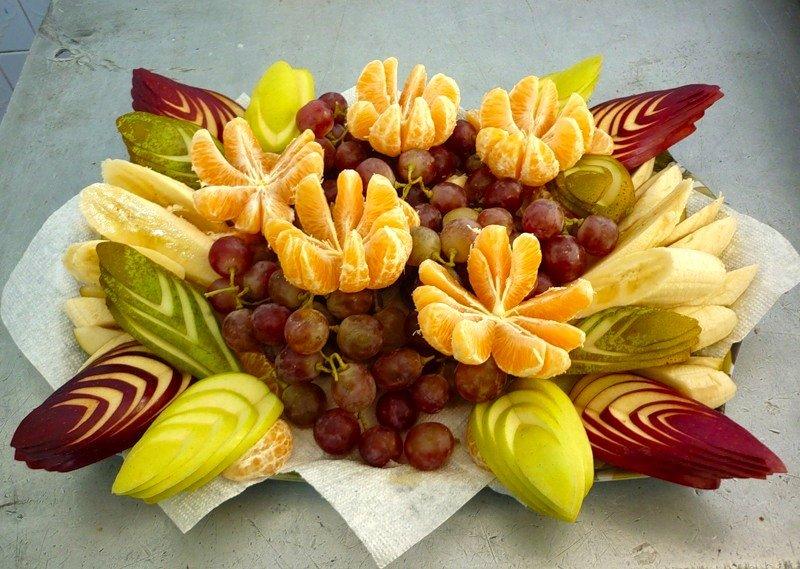 нарезка фруктов на праздничный стол фото только придумала