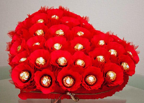 Конфетный букет ко дню всех влюбленных