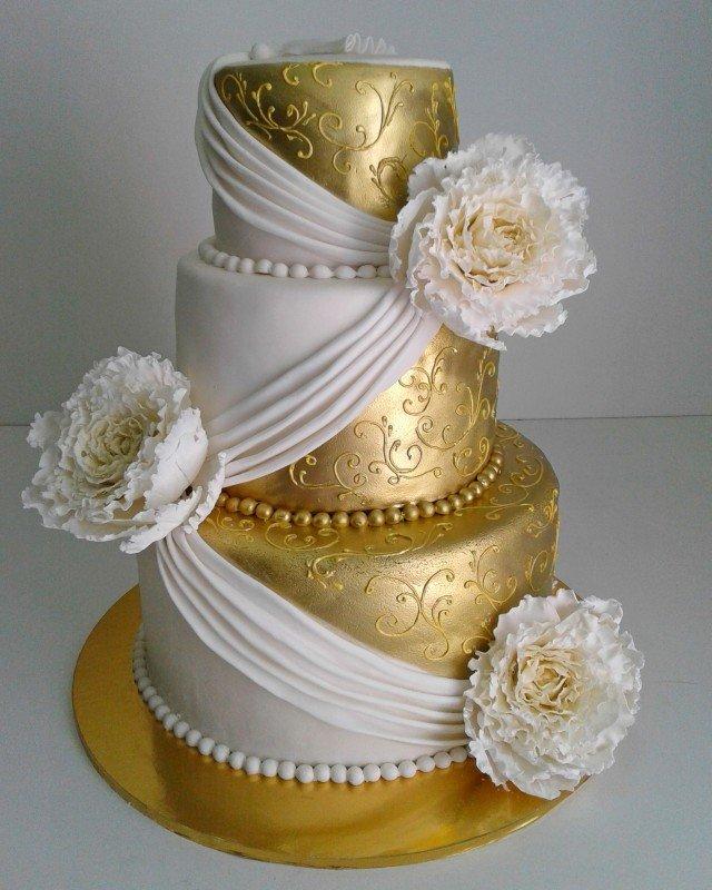 фото торт свадебный белый с золотом уделить постановке