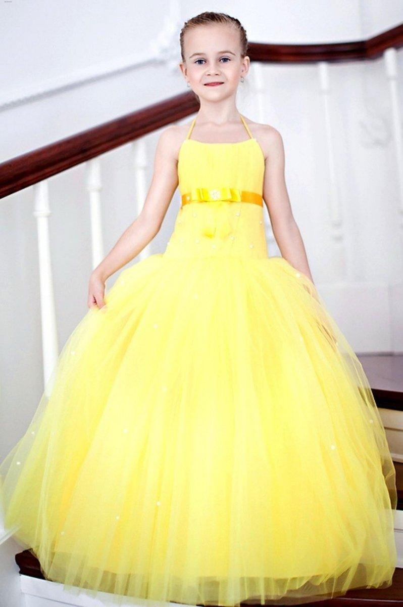 Пышное детское желтое платье