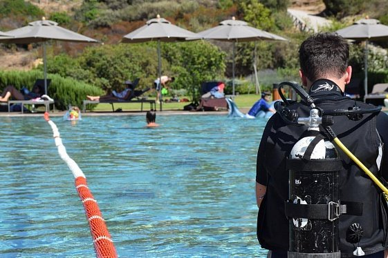 Сардиния, дайвинг в чистом лазурном море, команда специалистов, инструктаж в бассейне, новые глубины и впечатления. Блог туроператора о Сардинии.