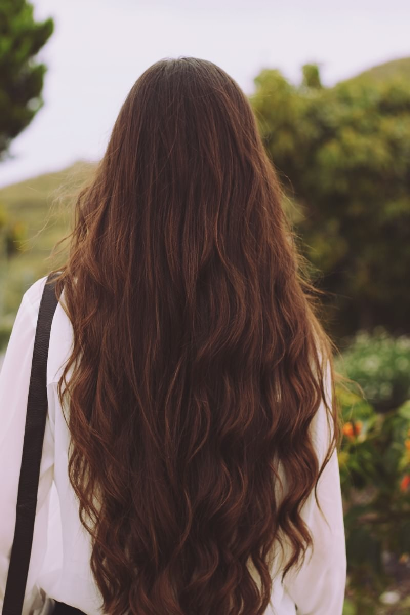 Картинки девушек со спины русые с длинными волосами