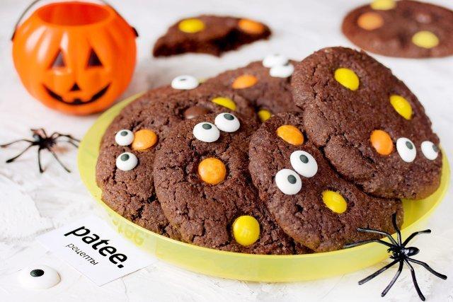 Готовим вкуснейшее американское шоколадное печенье с драже M&Ms в стиле Хэллоуин