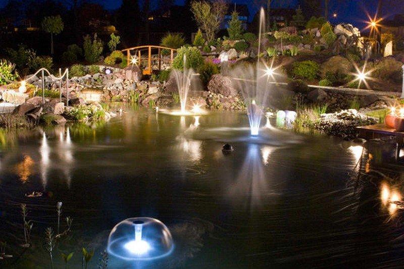 Освещение водоема: как сделать подсветку пруда своими руками. Используемые светильники и их разновидности. Правила устройства подсветки и установка
