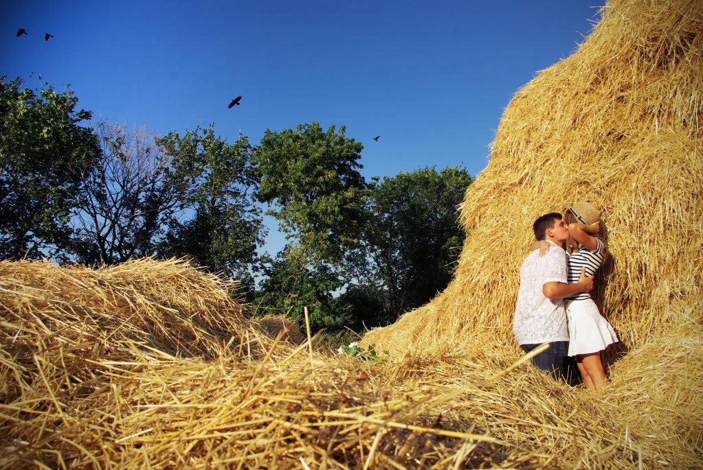 Днем, картинки со словами любовь в стогу сена