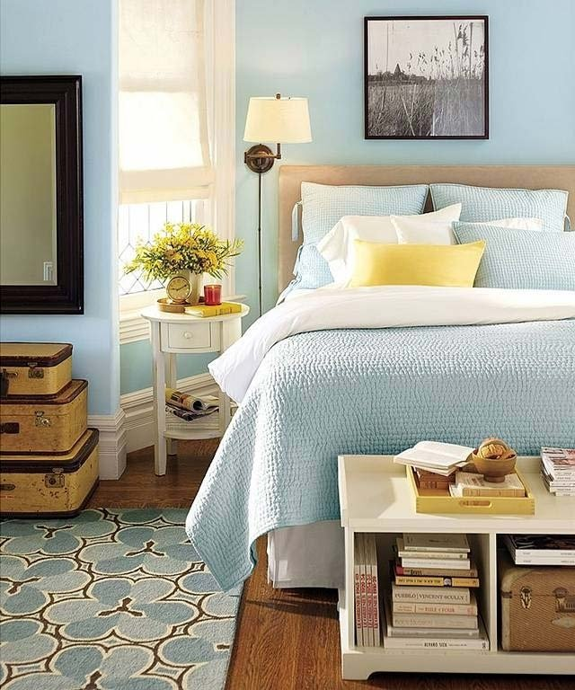 Голубая спальня с нотками желтого