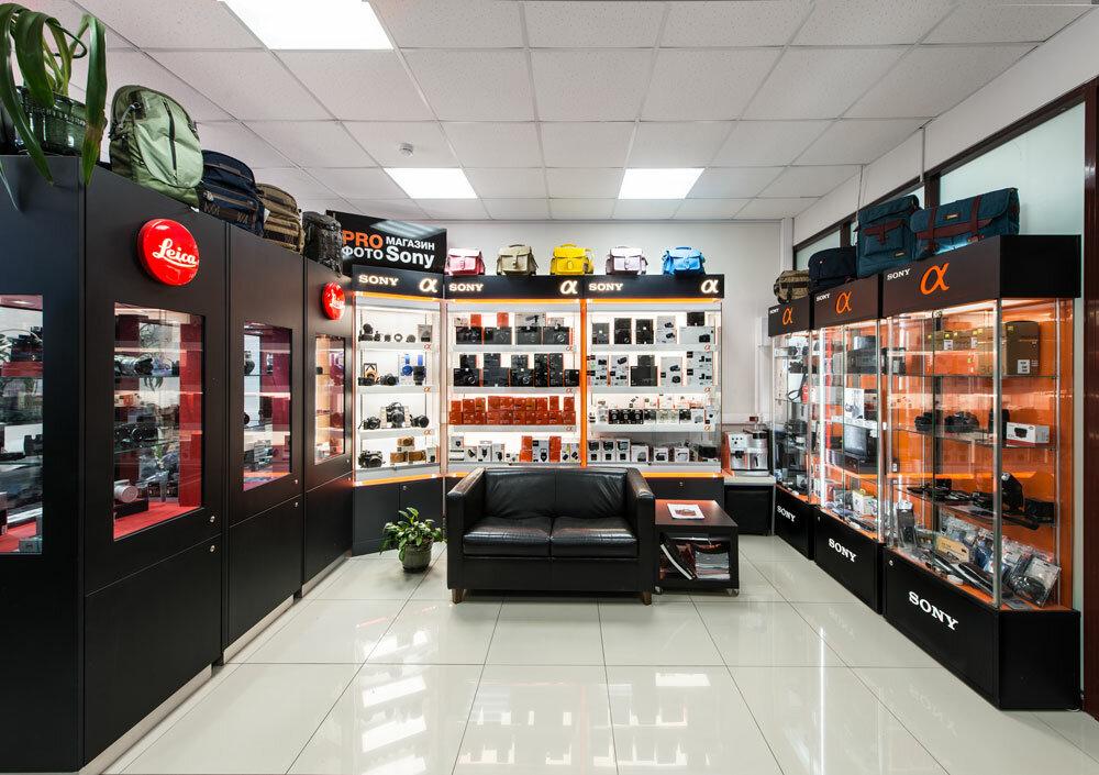 Крупнейший магазин фототехники сюжету сериала