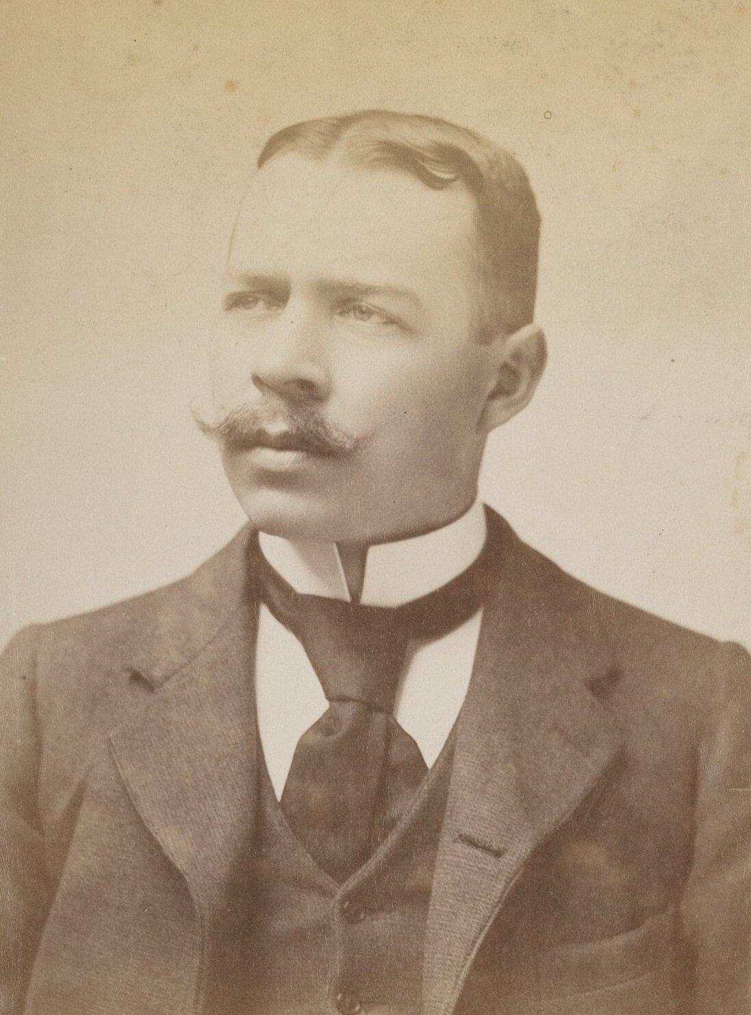23 января 1895 года впервые в мире человек ступил на берег Антарктиды