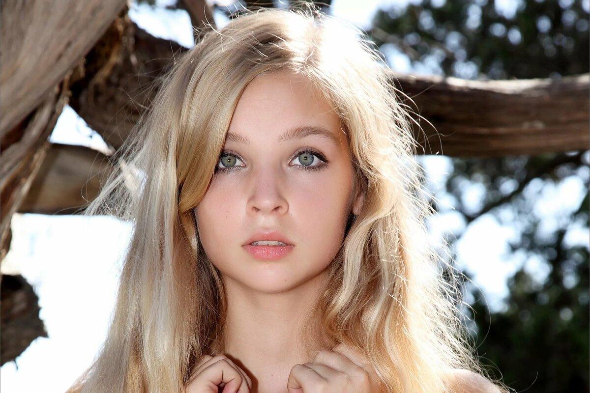 Teenager girl blonde