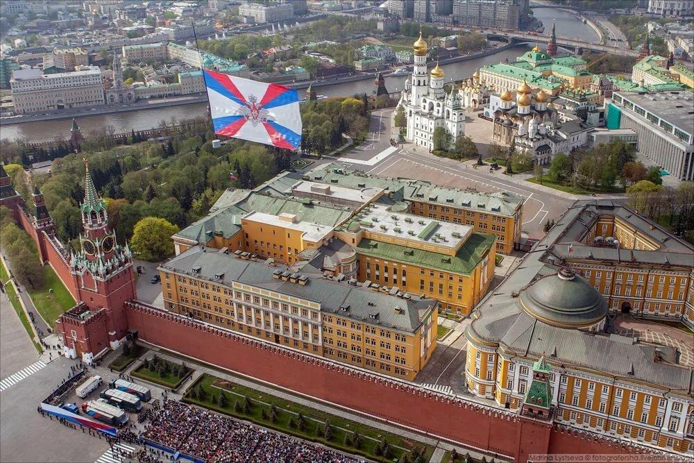 нарисовать фотографии московского кремля изнутри оттенки таких
