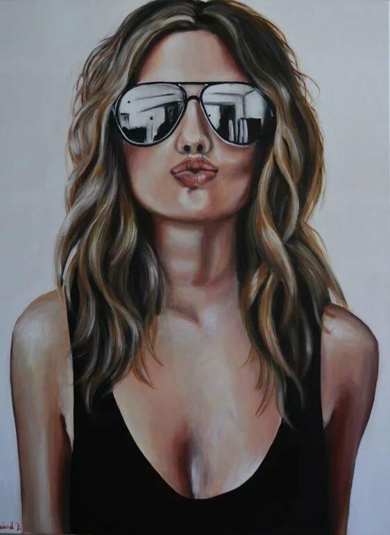 Рисунок девушки в очках