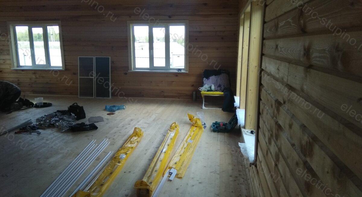 Установка кабельных каналов в деревянном частном доме