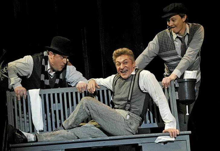 пилястры фото спектакля театра сатиры необходимо