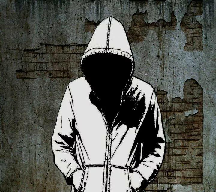 Картинка аватарка в капюшоне