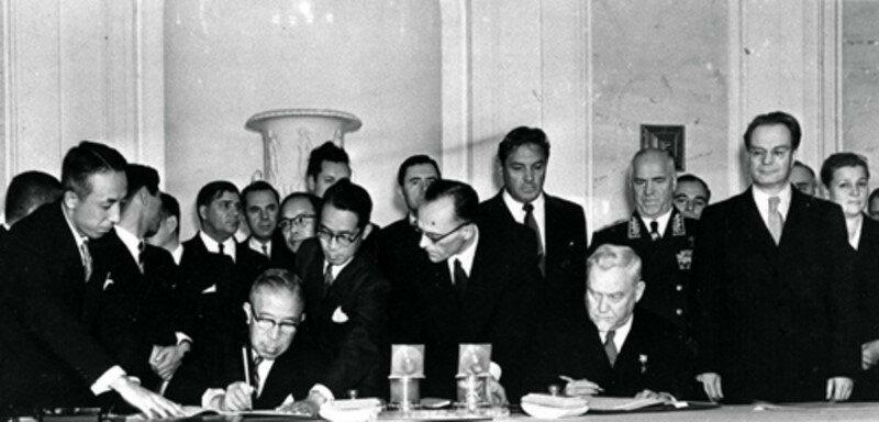 19 октября 1956 года подписана Совместная советско-японская декларация о прекращении войны и восстановлении дипломатических отношений