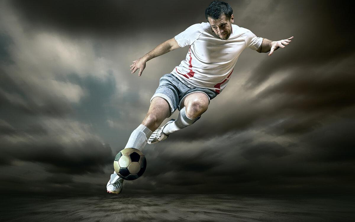 бегущий футболист картинки