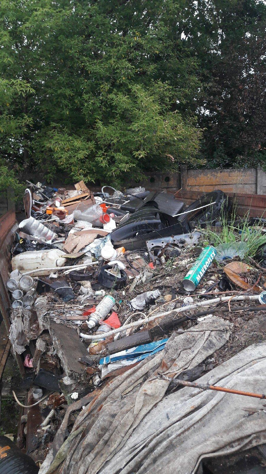 вывести строительный мусор с участка