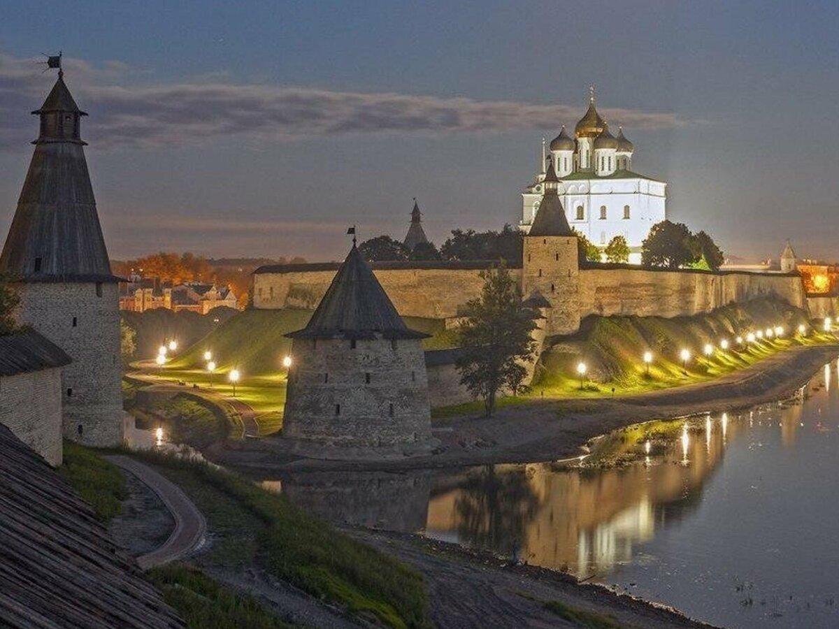 бесплатно выезжает псковский кремль описание и фото стал только