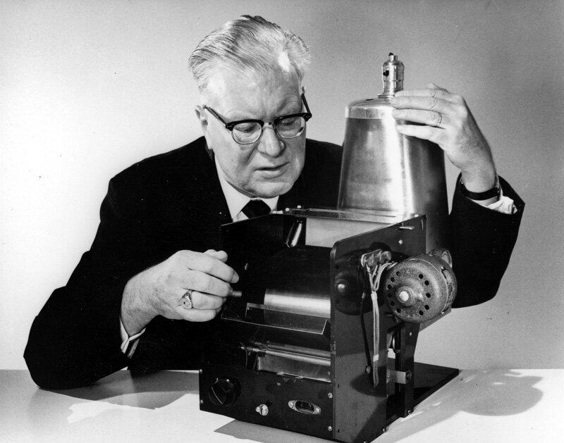 22 октября 1938 года изобретатель Честер Карлсон впервые в истории сделал ксерокопию