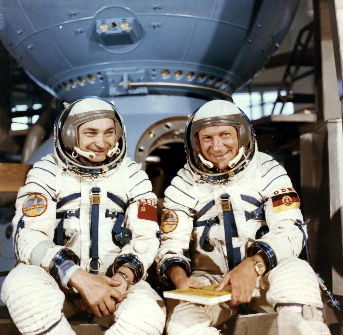 Картинка о космонавте