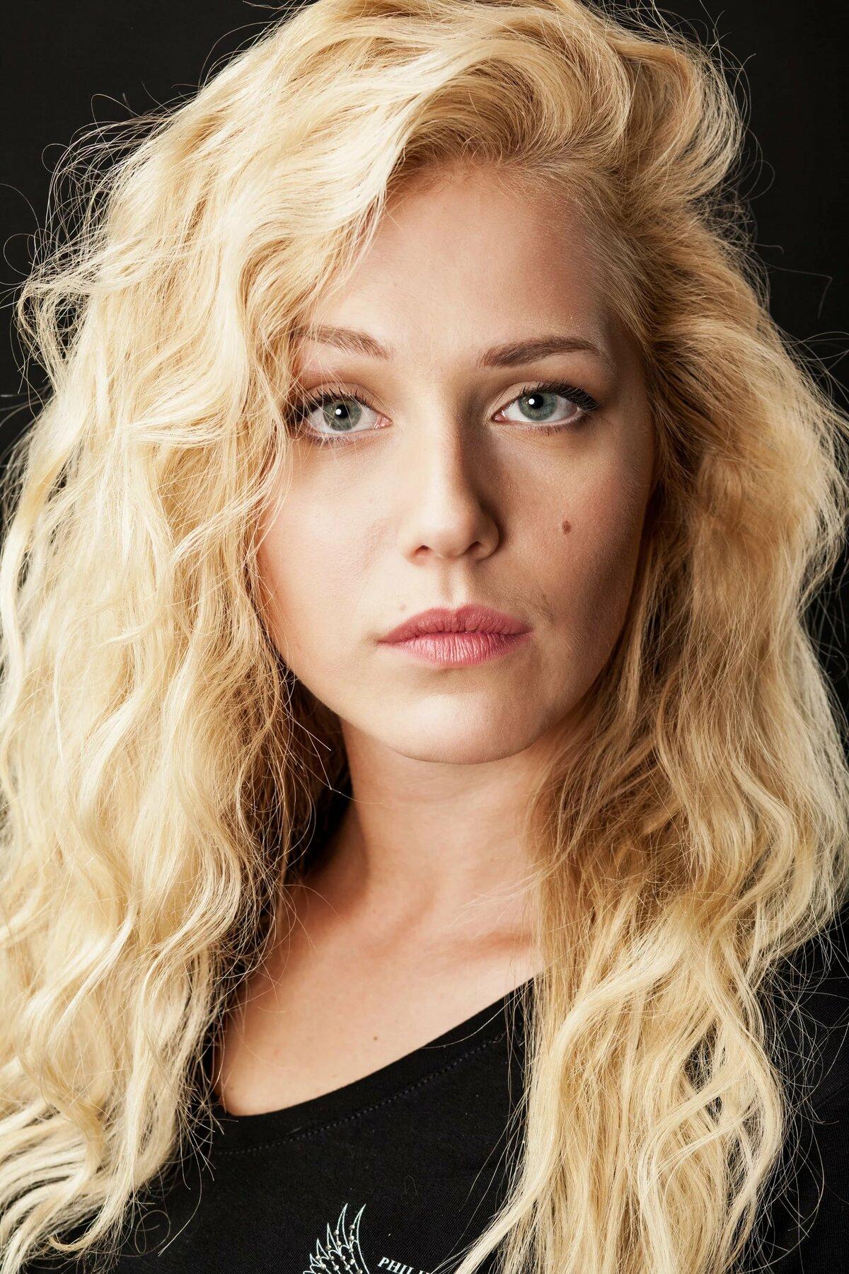 русские актрисы второго плана фото камин интерьере