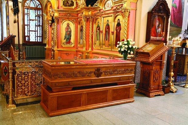 Мощи св. мц. Матроны в Казанской церкви Дивеевского монастыря