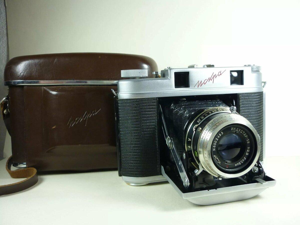 коллекции фотоаппаратов ссср колонна надписью
