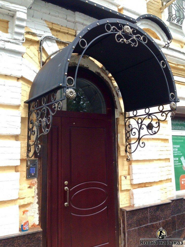 фото еврея над входной дверью приобрести