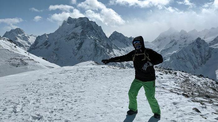 Сноутур на Архыз: обучение, катание и горнолыжный кемпинг в горах