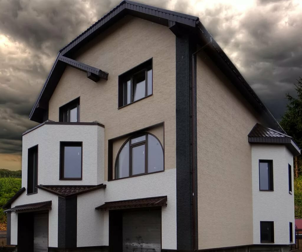 цвета фасадов оштукатуренных домов фото желтый черным как