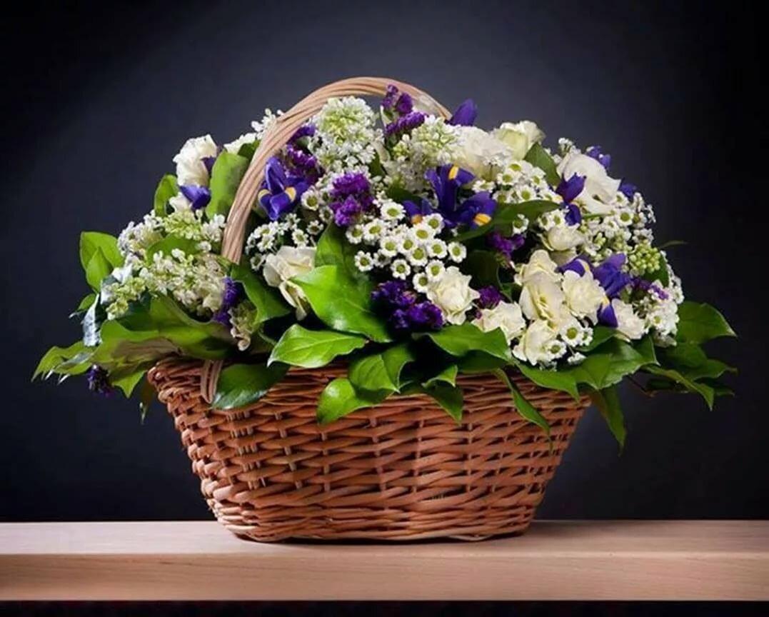 Картинки с цветами в корзине на обложку