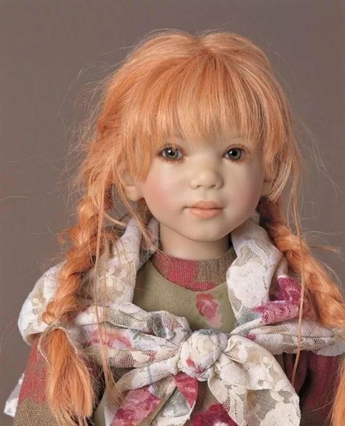 женщина фото реалистичных кукол кусочком