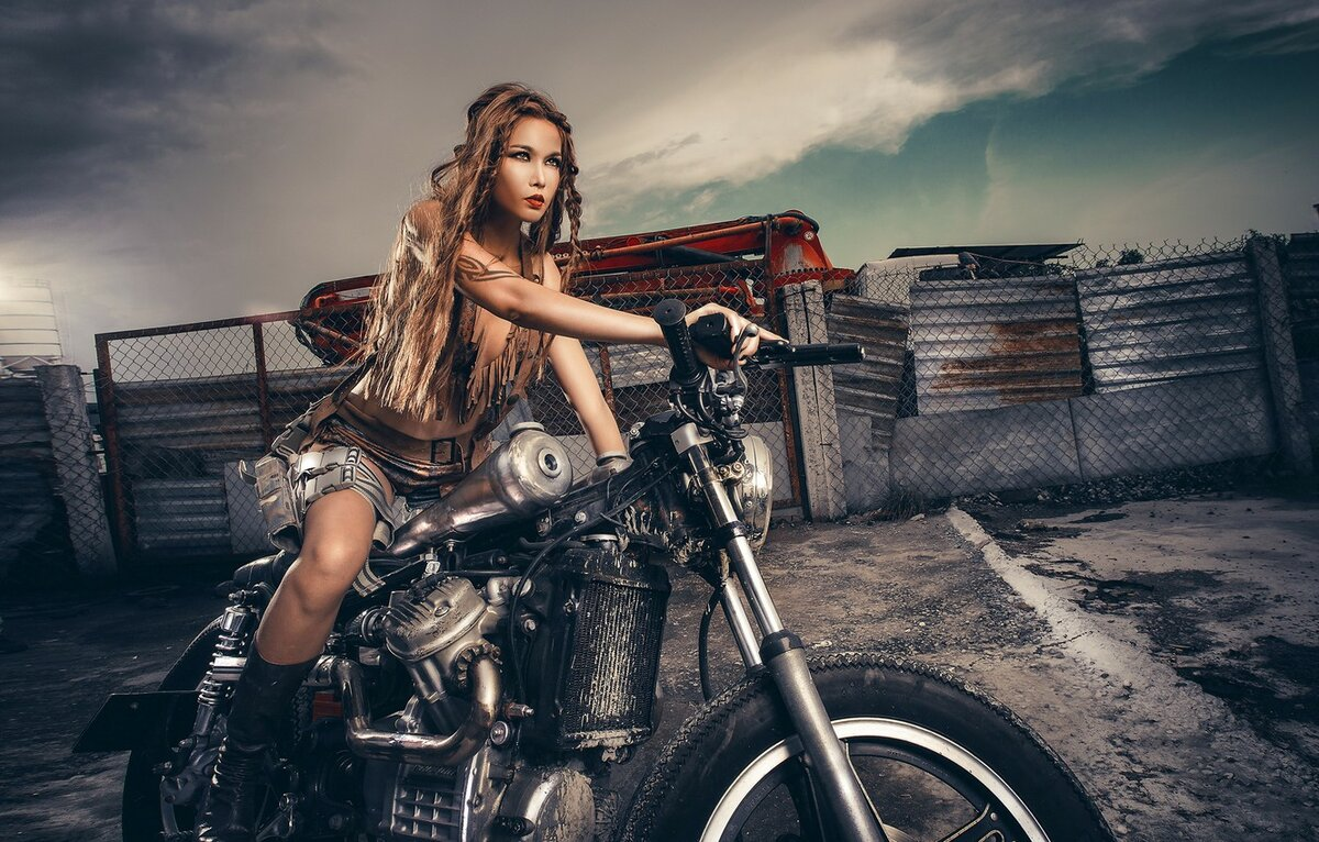 Motorcycle girl pictures, fingering pussy up close
