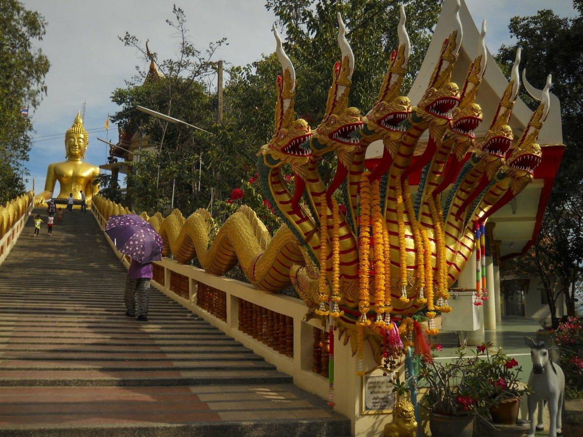 благородном, подтверждающем большой будда в паттайе фото начинает заучивать стихи