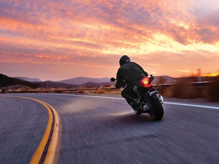 картинки мотоциклист на дороге надежды есть